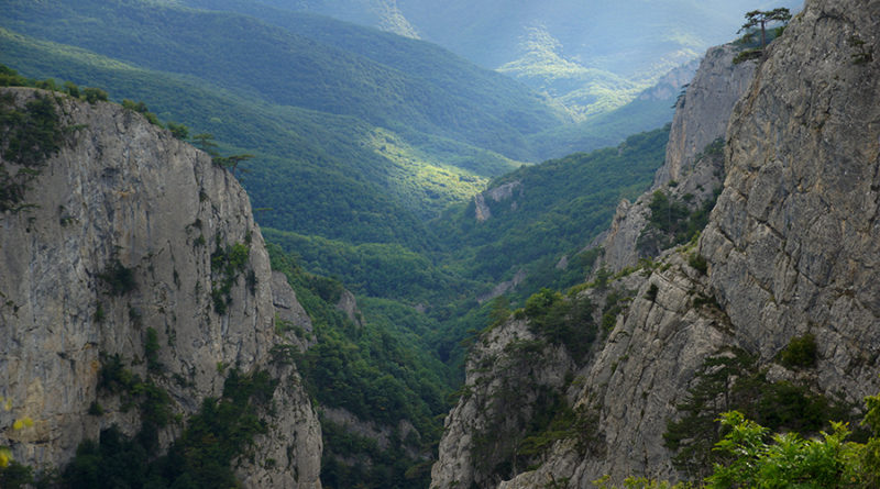большой крымский каньон