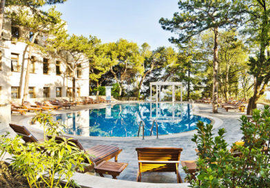 Отель «Сосновая роща» в Гаспре: совмещаем отдых с лечением