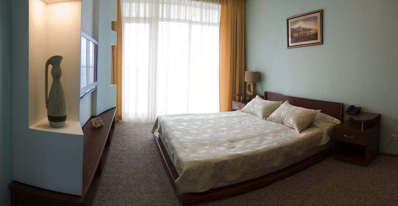отель маджестик партенит