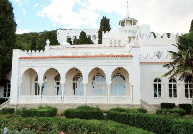 Дворец Кичкинэ в Крыму: миниатюрная усадьба в Мисхоре