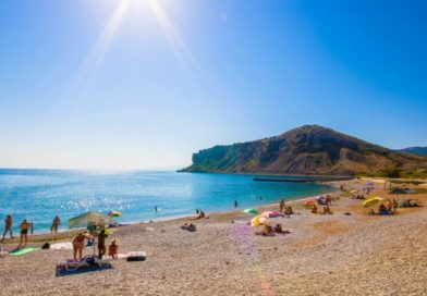 Купальный сезон в Крыму: когда можно купаться на пляже