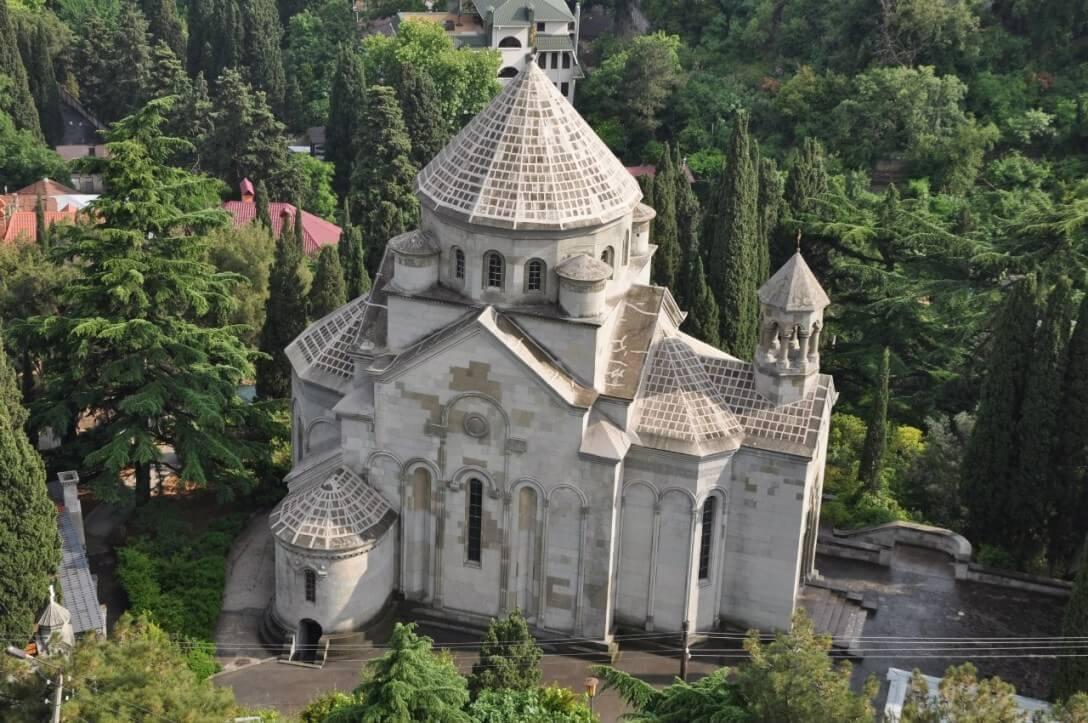 армянская церковь в ялте фото