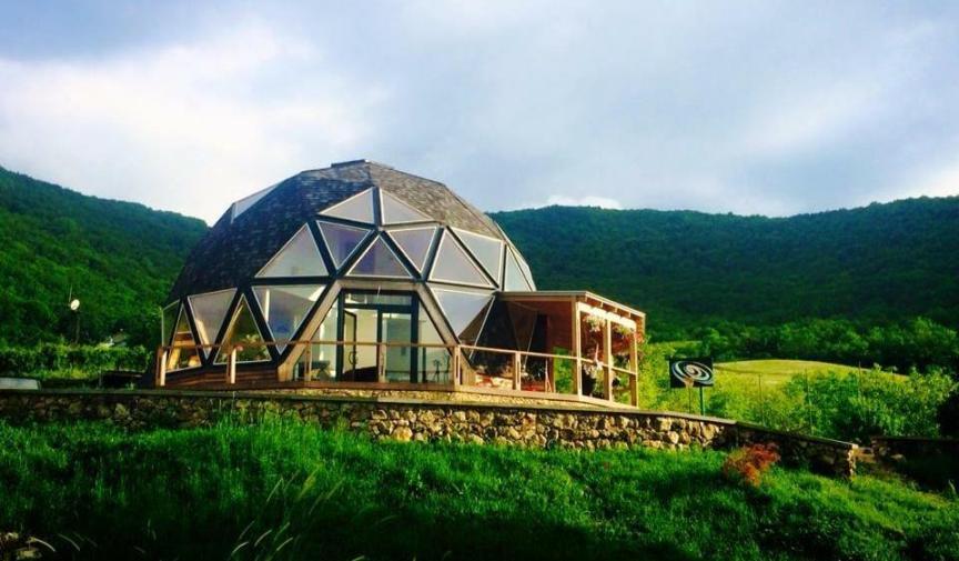 Гостевой дом в виде сферы