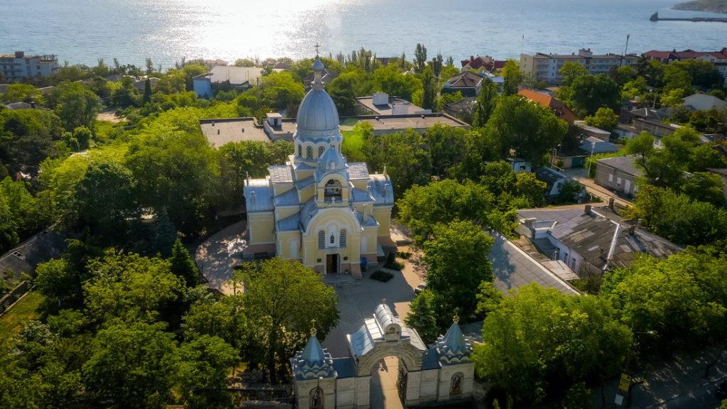 фото города феодосия крым черный